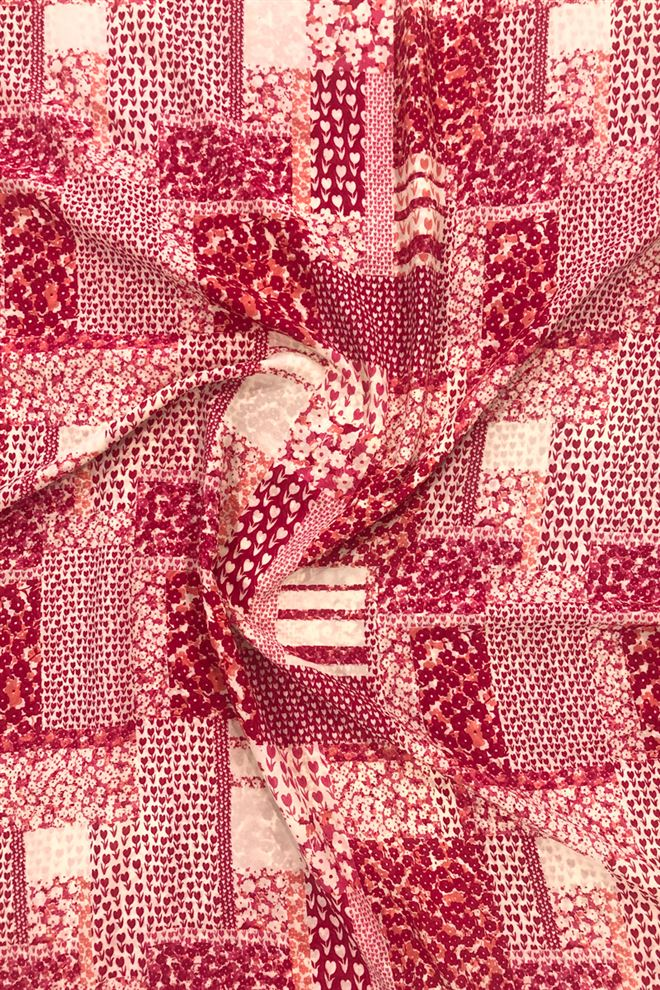 Pink Colored Floral Georgette Print Fabric